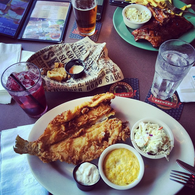 Gatlinburg Restaurants - Calhoun's in Gatlinburg - Original Photo