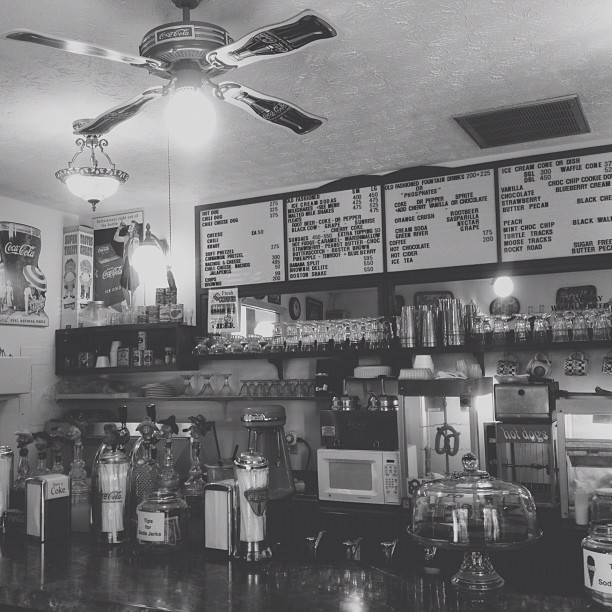 Gatlinburg Restaurants - Glades Soda Fountain - Original Photo