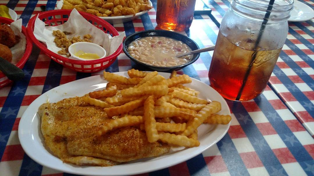 Pigeon Forge Restaurants - Huck Finn's Catfish - Original Photo