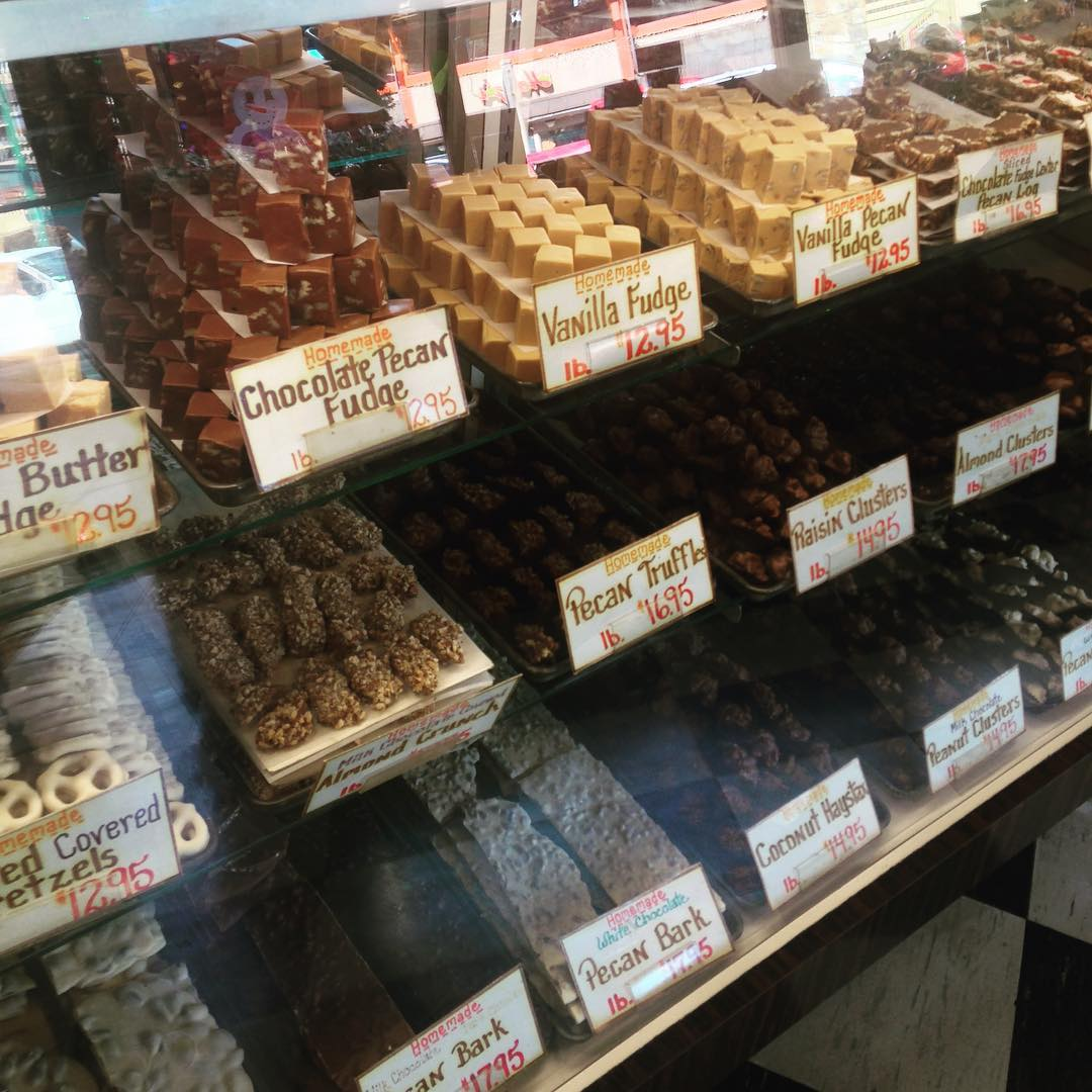 Dunmore Candy Kitchen 4 The Dunmorean: Review Of Ole Smoky Candy Kitchen In Gatlinburg