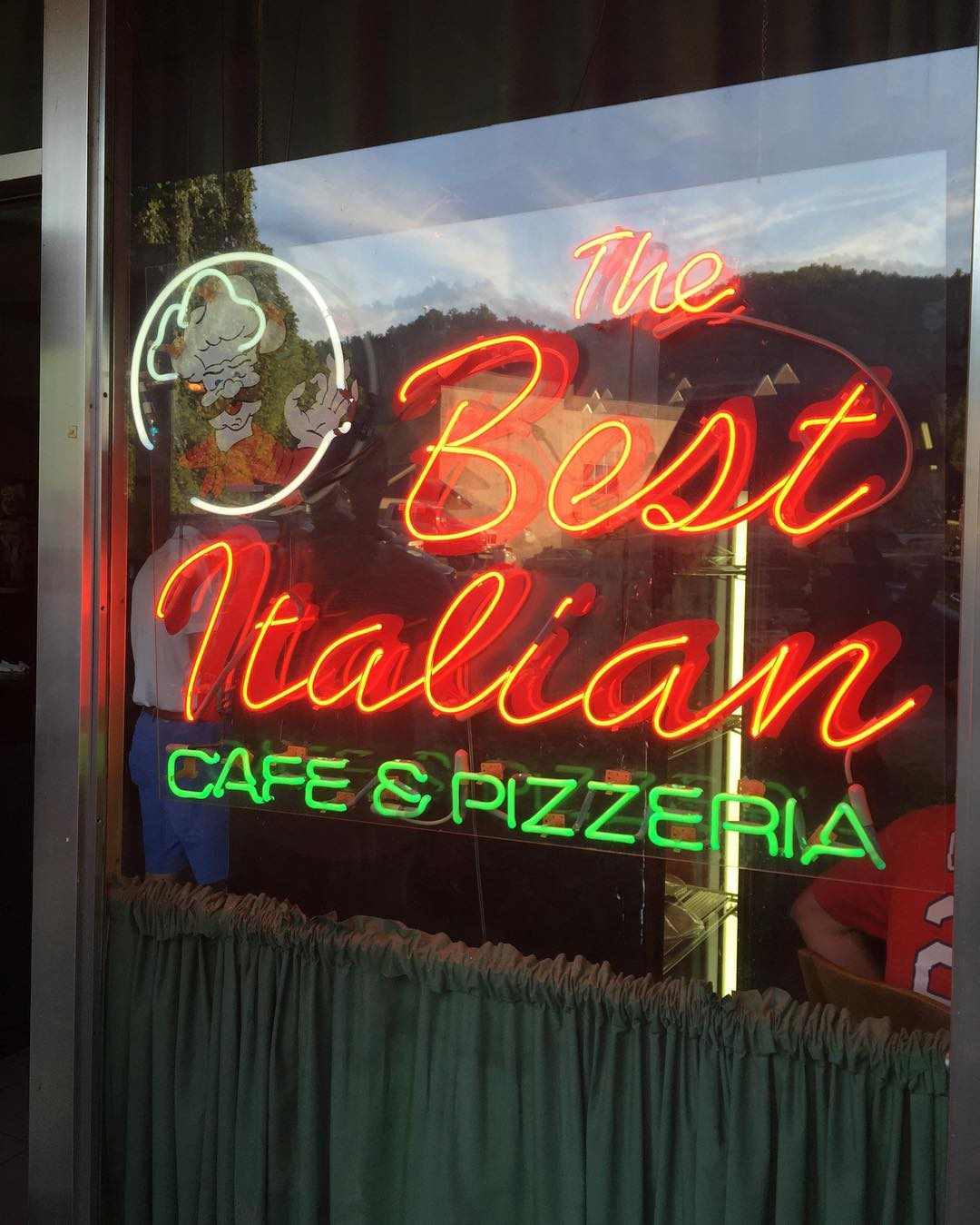 Gatlinburg Restaurants - The Best Italian Cafe and Pizzeria - Original Photo