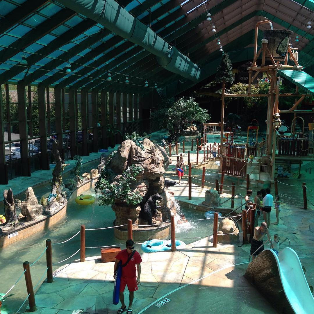 review of wild bear falls indoor water park in gatlinburg