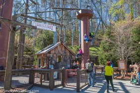 Dollywood - Lumberjack Lifts