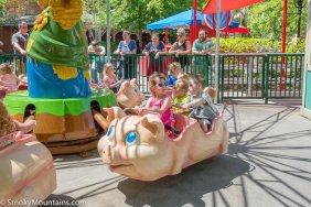 Dollywood - Piggy Parade