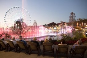 Pigeon Forge - The Island Water Light Show in Pigeon Forge