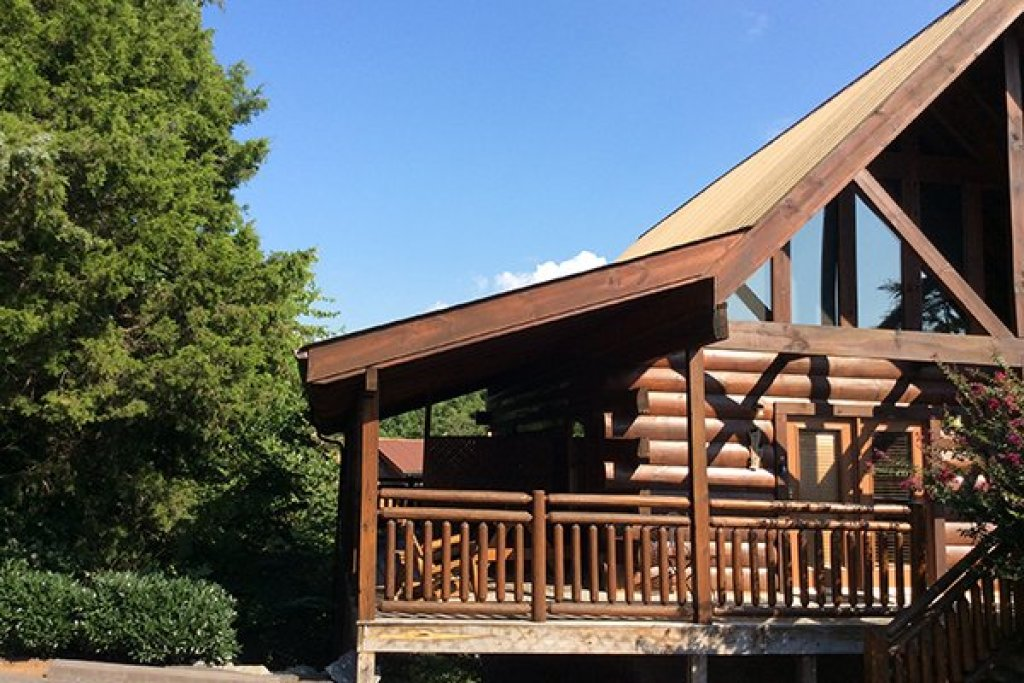 Photo of a Pigeon Forge Cabin named Granny D's - This is the twenty-sixth photo in the set.