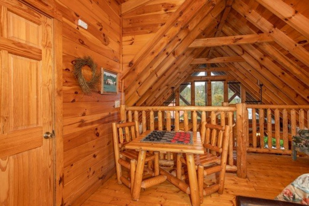 Photo of a Pigeon Forge Cabin named Granny D's - This is the thirteenth photo in the set.