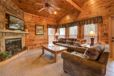 The Great Outdoors, 2 Bedrooms, Hot Tub, Pool Table, Arcade, Sleeps 10