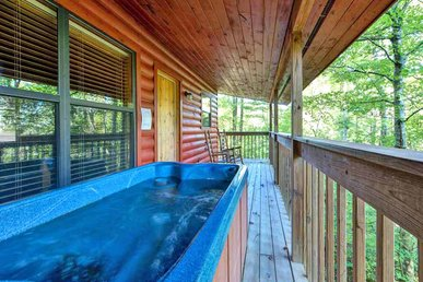 Country Getaway, 1 Bedroom, 2 Person Hot Tub, Charcoal Grill, Sleeps 2