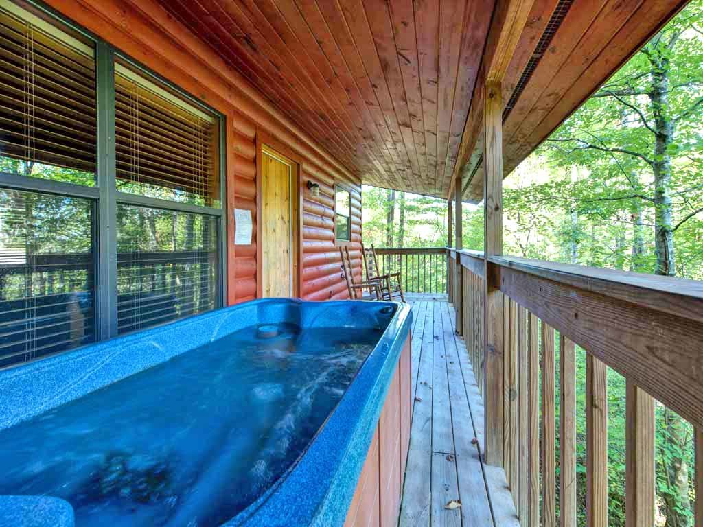 Photo of a Gatlinburg Cabin named Country Getaway - This is the first photo in the set.