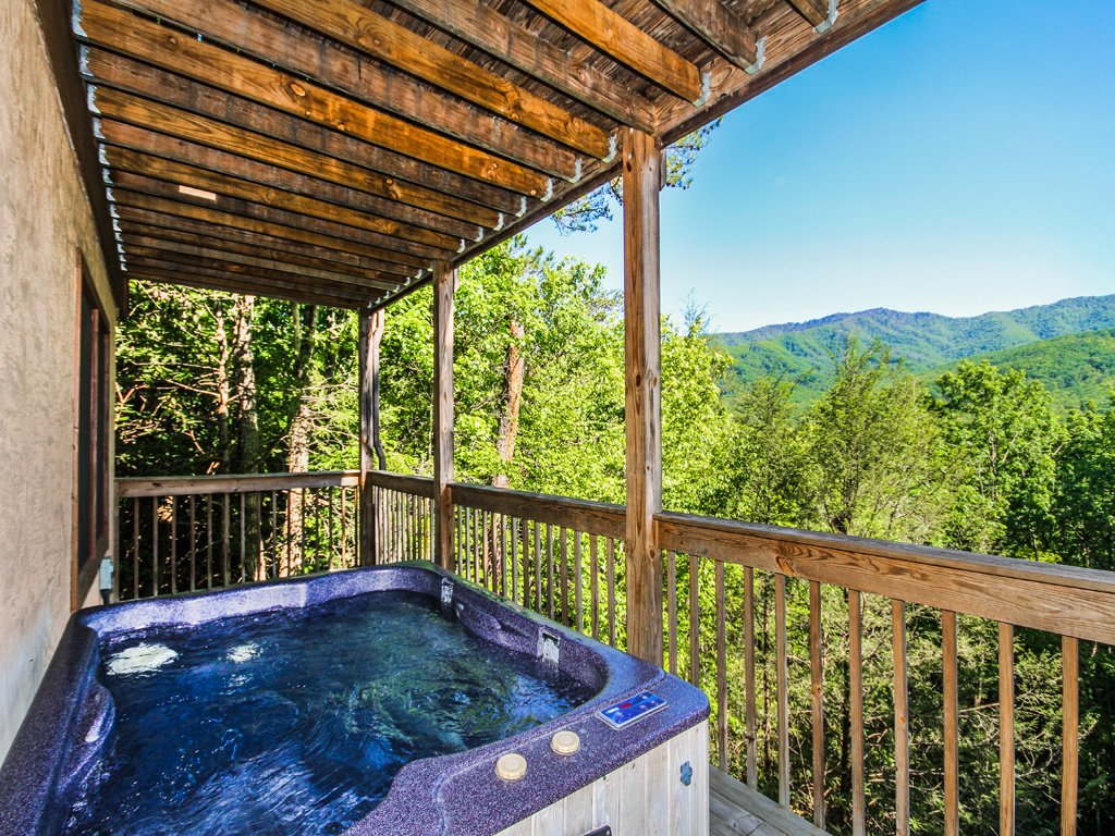 Photo of a Gatlinburg Cabin named Majestic View - This is the first photo in the set.
