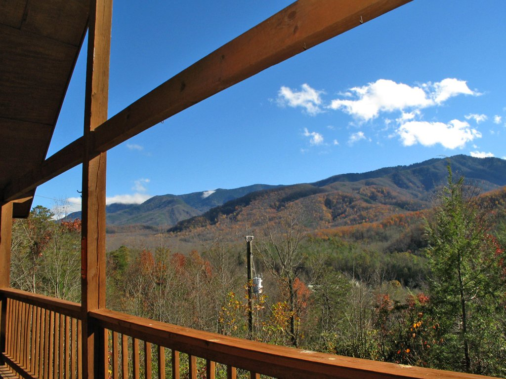 Photo of a Gatlinburg Cabin named Bearway To Heaven - This is the fifteenth photo in the set.