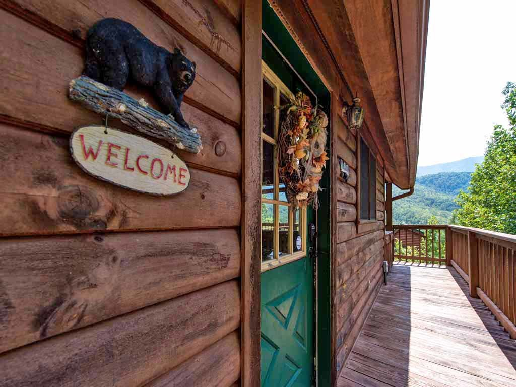 Photo of a Gatlinburg Cabin named Bearway To Heaven - This is the fourteenth photo in the set.
