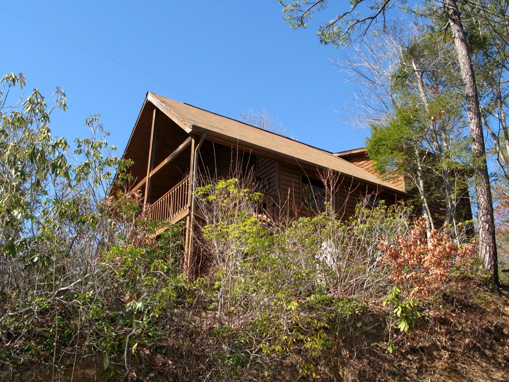 Photo of a Gatlinburg Cabin named Bearway To Heaven - This is the seventeenth photo in the set.