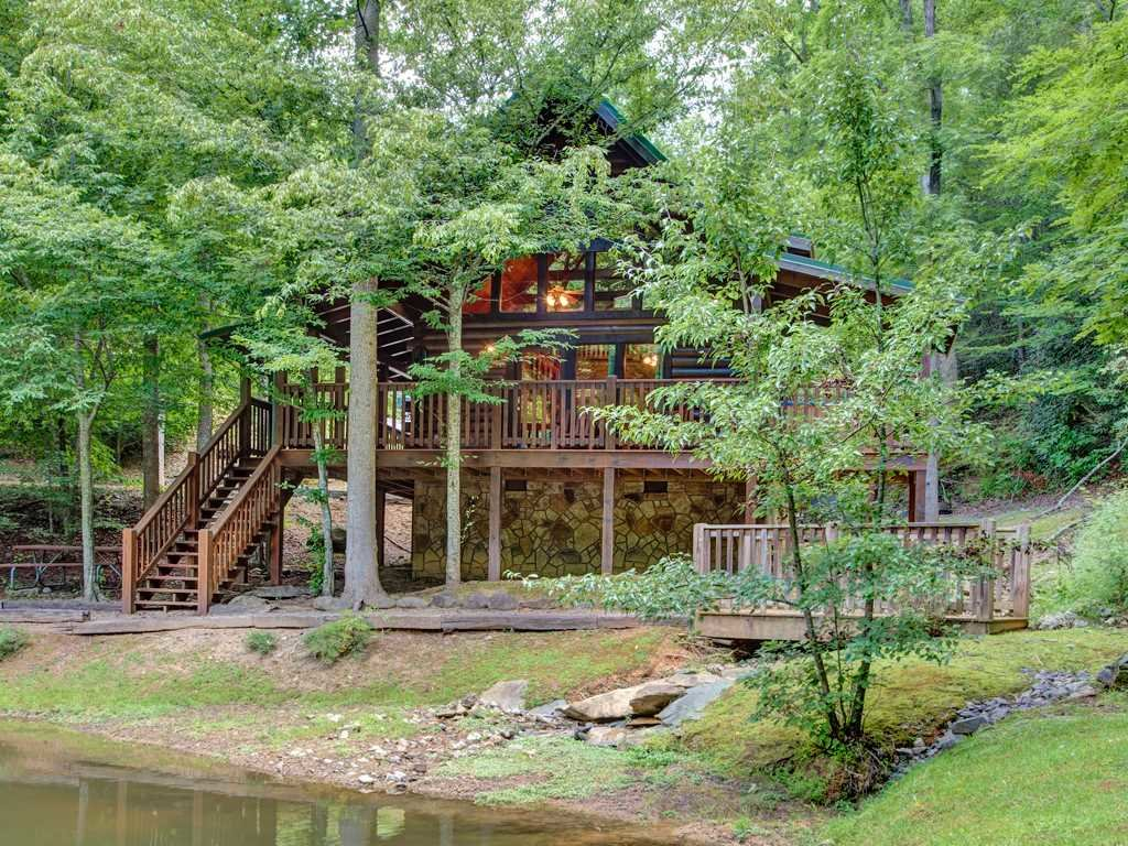 Photo of a Gatlinburg Cabin named Beyond The Pond - This is the third photo in the set.