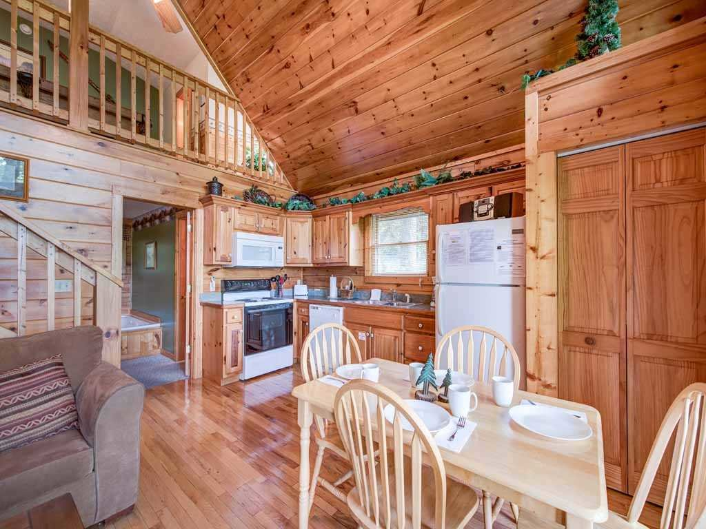 Photo of a Gatlinburg Cabin named Cub's Cove - This is the eighth photo in the set.