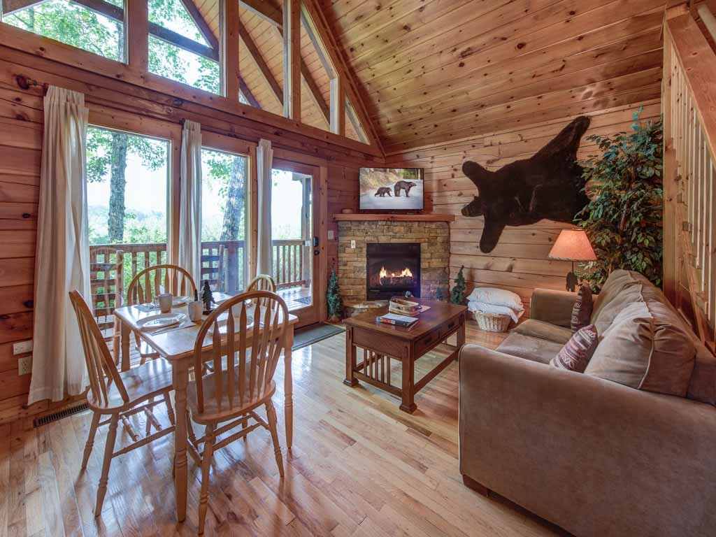 Photo of a Gatlinburg Cabin named Cub's Cove - This is the second photo in the set.
