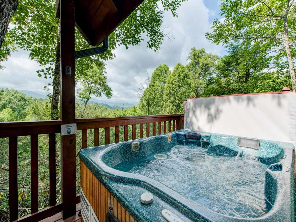 Photo of a Gatlinburg Cabin named Cub's Cove - This is the fourth photo in the set.