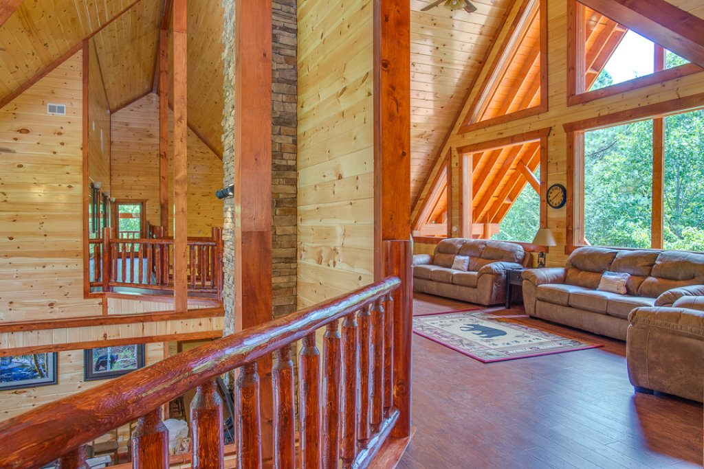 Photo of a Pigeon Forge Cabin named Sherwood Splash Lodge - This is the fifteenth photo in the set.