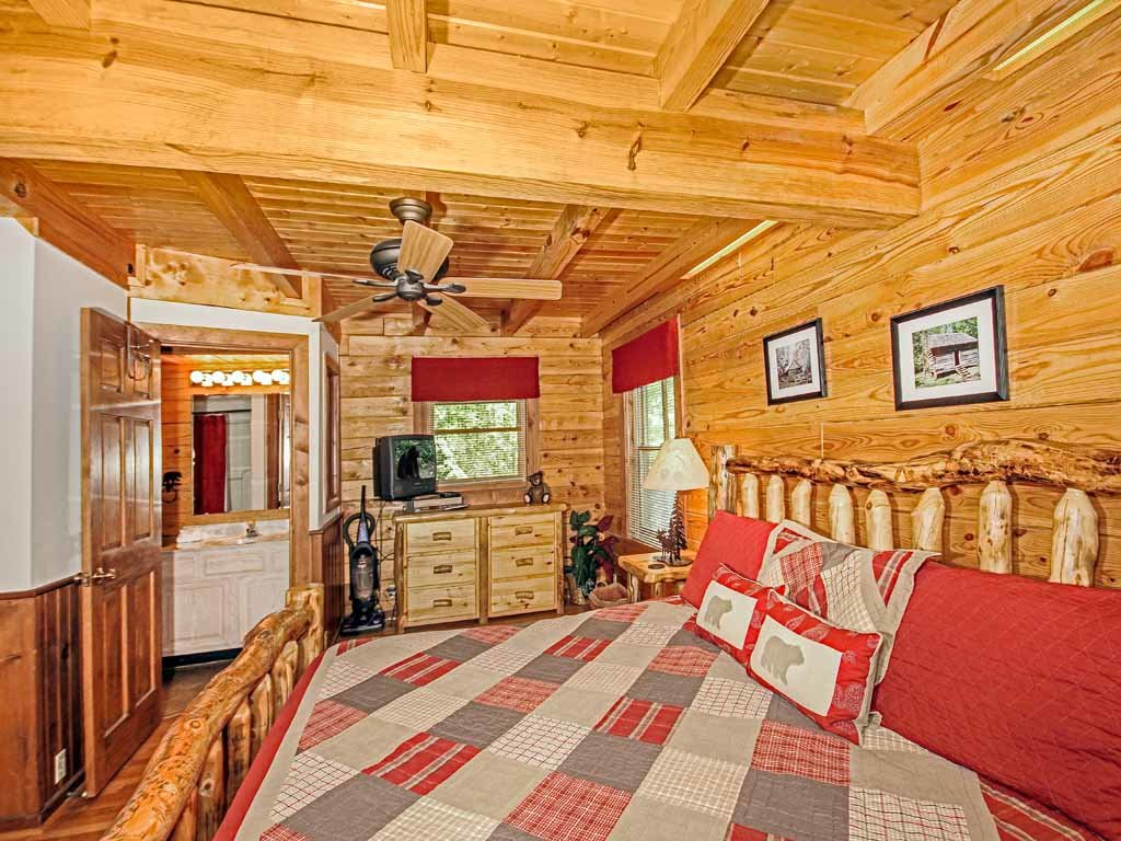 Photo of a Gatlinburg Cabin named Buckhorn - This is the tenth photo in the set.