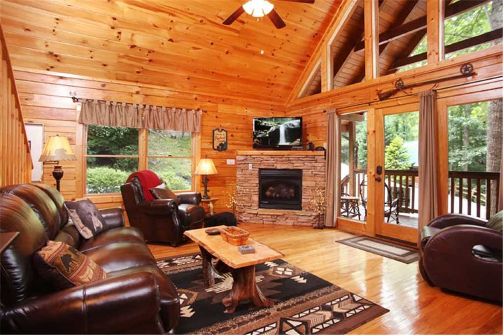 Photo of a Gatlinburg Cabin named Paxton's Creek - This is the first photo in the set.