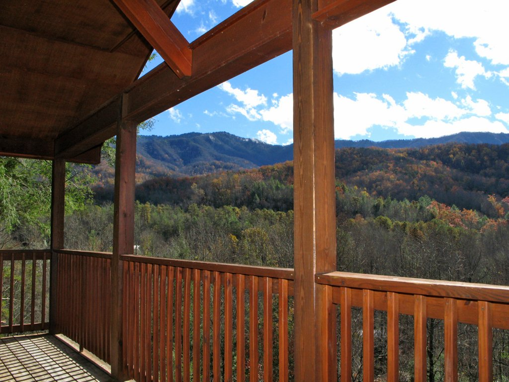 Photo of a Gatlinburg Cabin named Naughty By Nature - This is the seventeenth photo in the set.