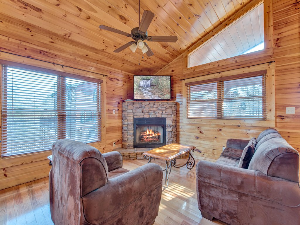 Photo of a Gatlinburg Cabin named Magic Moments Ii - This is the third photo in the set.