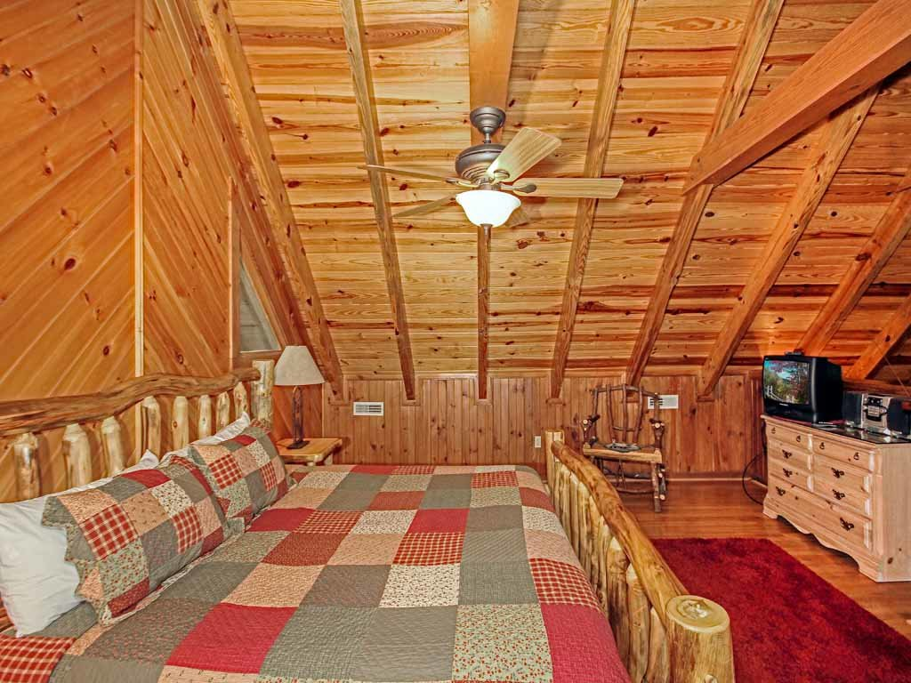 Photo of a Gatlinburg Cabin named Buckhorn - This is the seventeenth photo in the set.