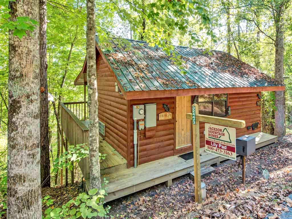Lily pad cabin in sevierville w 1 br sleeps2 for Nuvola 9 cabin gatlinburg