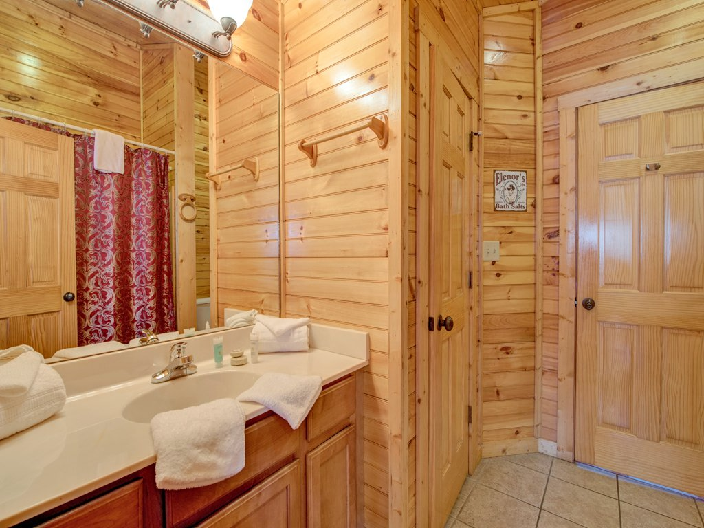 Photo of a Gatlinburg Cabin named Magic Moments Ii - This is the fourteenth photo in the set.