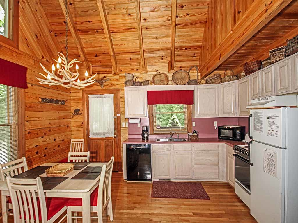 Photo of a Gatlinburg Cabin named Buckhorn - This is the eighth photo in the set.