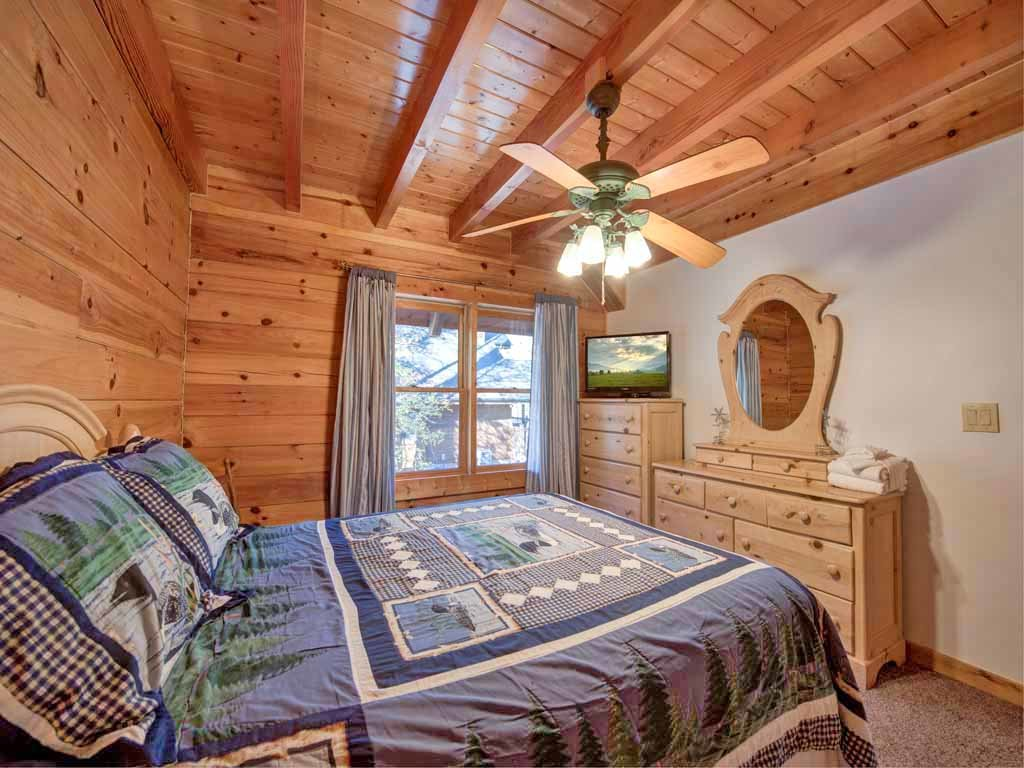 Photo of a Gatlinburg Cabin named Amazing River Retreat - This is the twenty-second photo in the set.