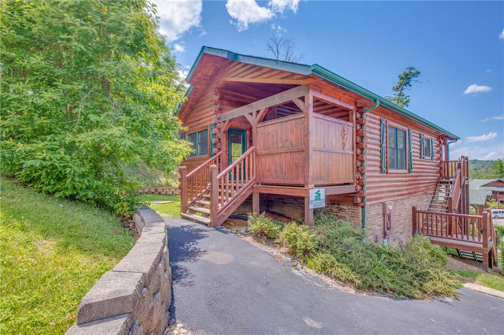 Photo of a Gatlinburg Cabin named Magic Moments Ii - This is the fifteenth photo in the set.
