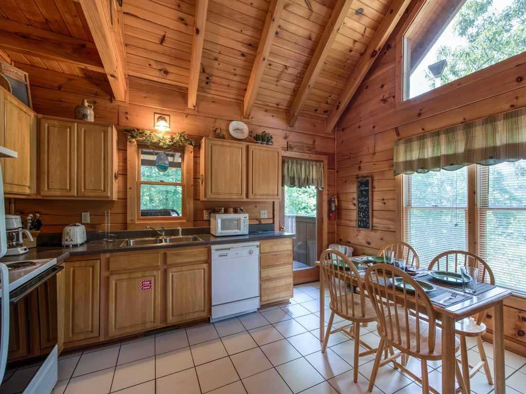 Photo of a Gatlinburg Cabin named Twilight Ridge - This is the eighth photo in the set.