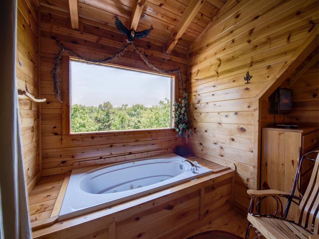Photo of a Gatlinburg Cabin named Away In The Mountains - This is the fifteenth photo in the set.