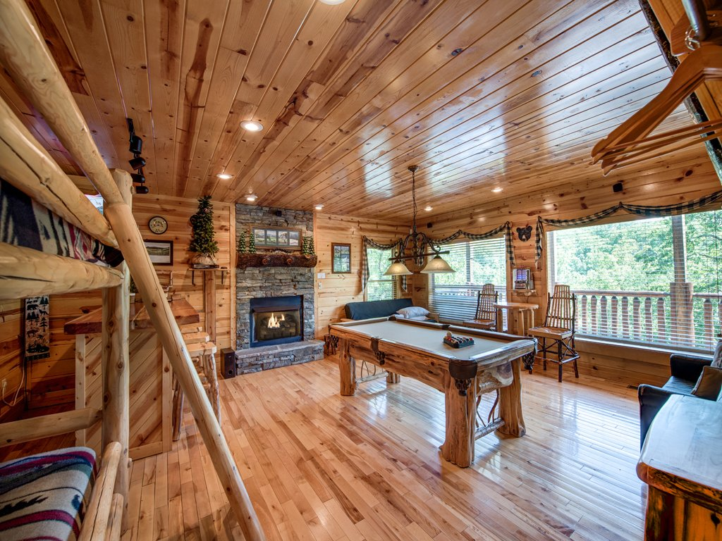 Photo of a Gatlinburg Cabin named Away In The Mountains - This is the ninth photo in the set.