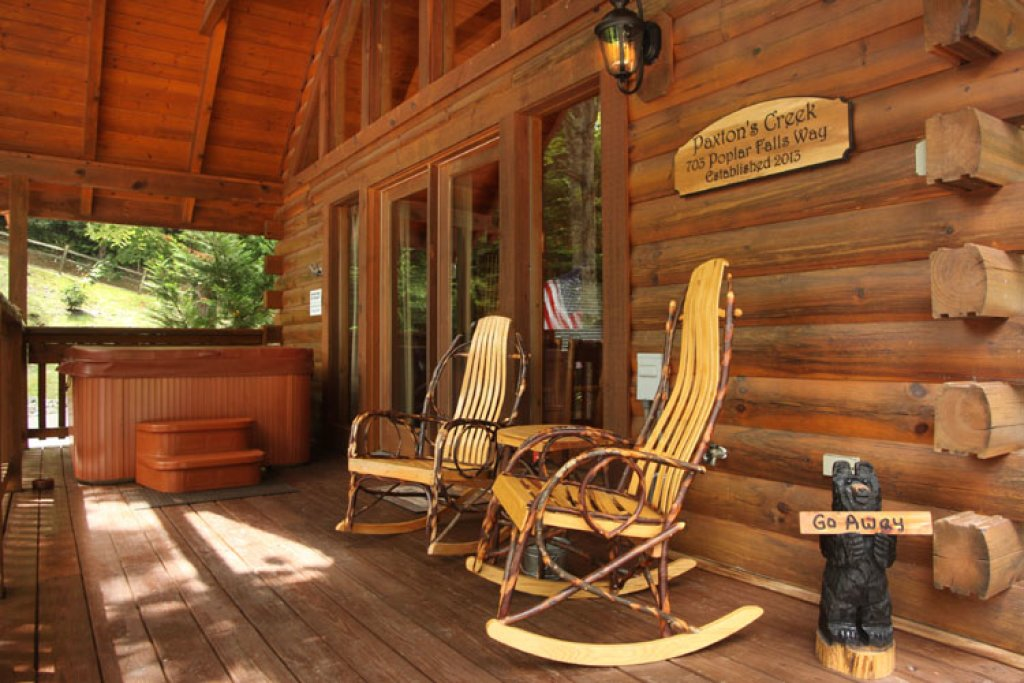 Photo of a Gatlinburg Cabin named Paxton's Creek - This is the fifth photo in the set.