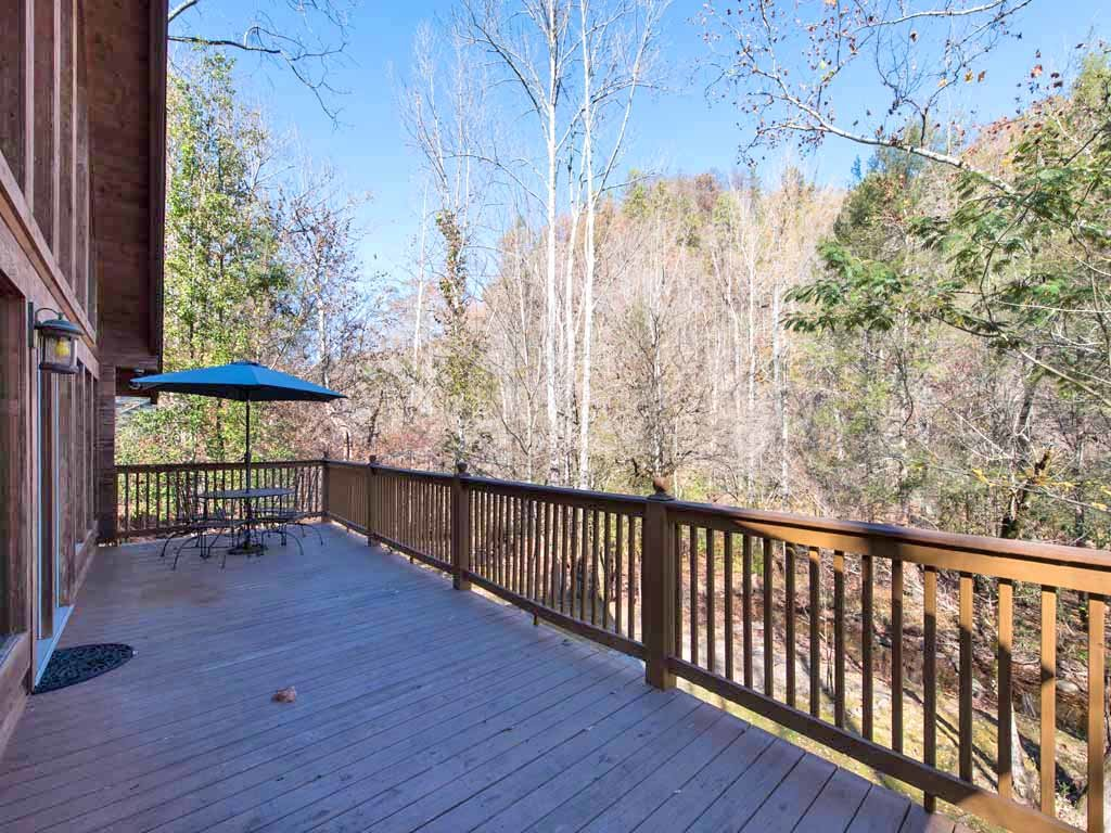 Photo of a Gatlinburg Cabin named Amazing River Retreat - This is the twenty-fifth photo in the set.