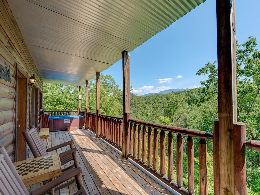 Photo of a Gatlinburg Cabin named Away In The Mountains - This is the twenty-fifth photo in the set.