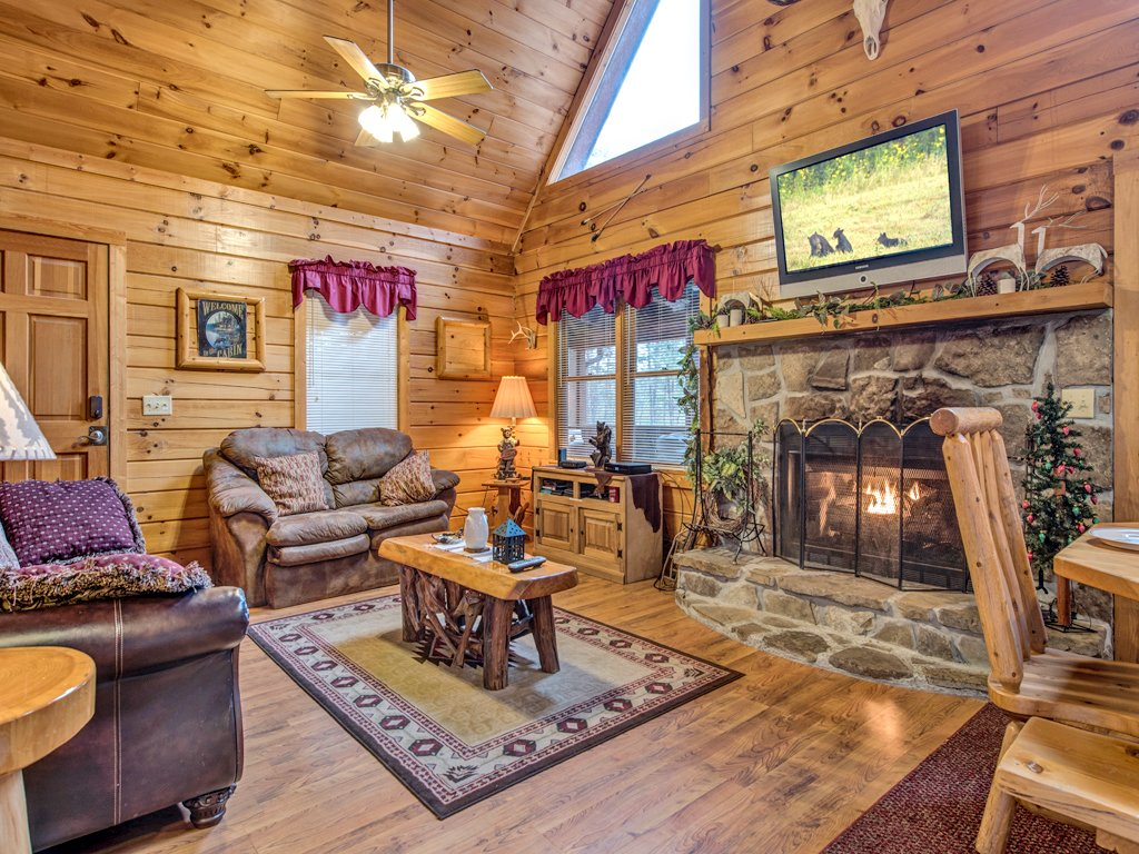 Photo of a Gatlinburg Cabin named Fun And Games - This is the first photo in the set.