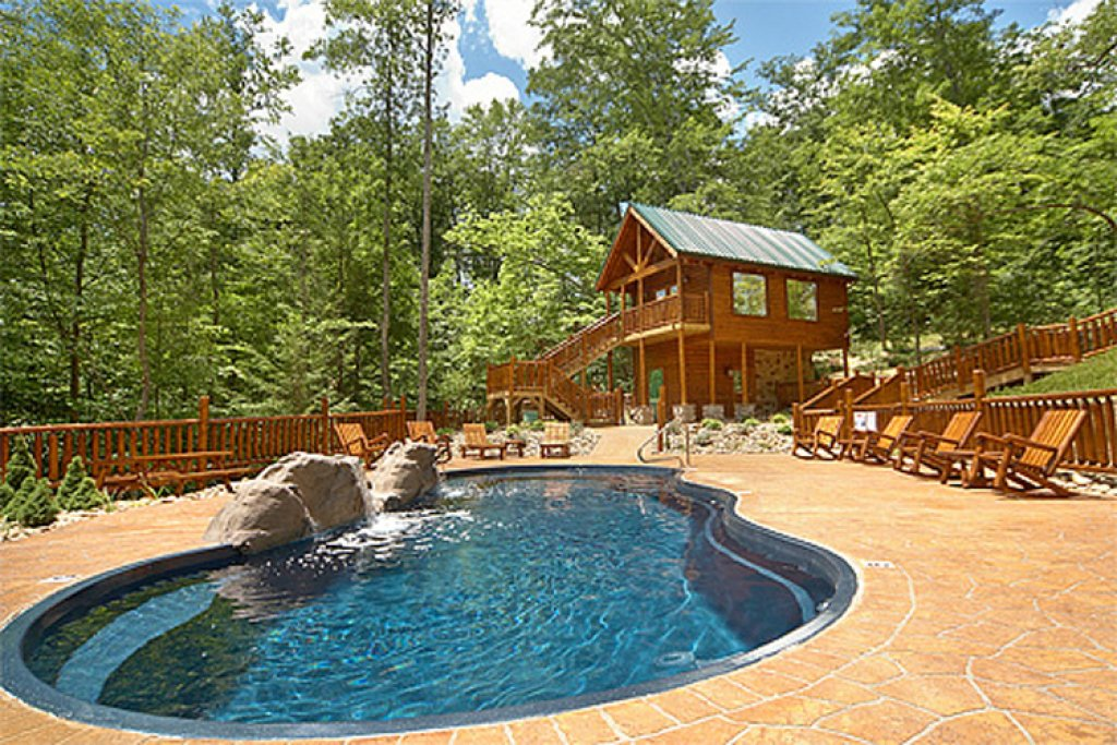 Photo of a Gatlinburg Cabin named Away In The Mountains - This is the third photo in the set.