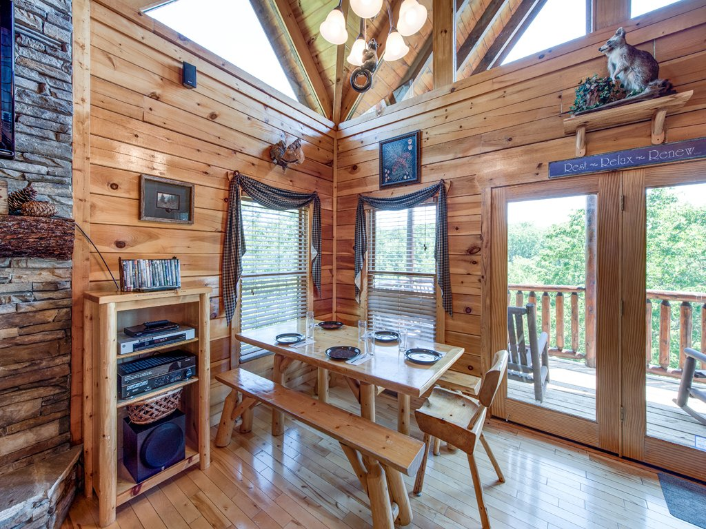 Photo of a Gatlinburg Cabin named Away In The Mountains - This is the eleventh photo in the set.