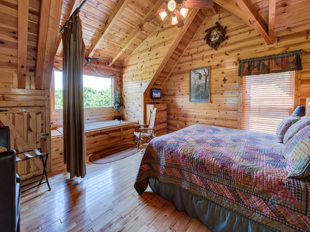Photo of a Gatlinburg Cabin named Away In The Mountains - This is the fourteenth photo in the set.