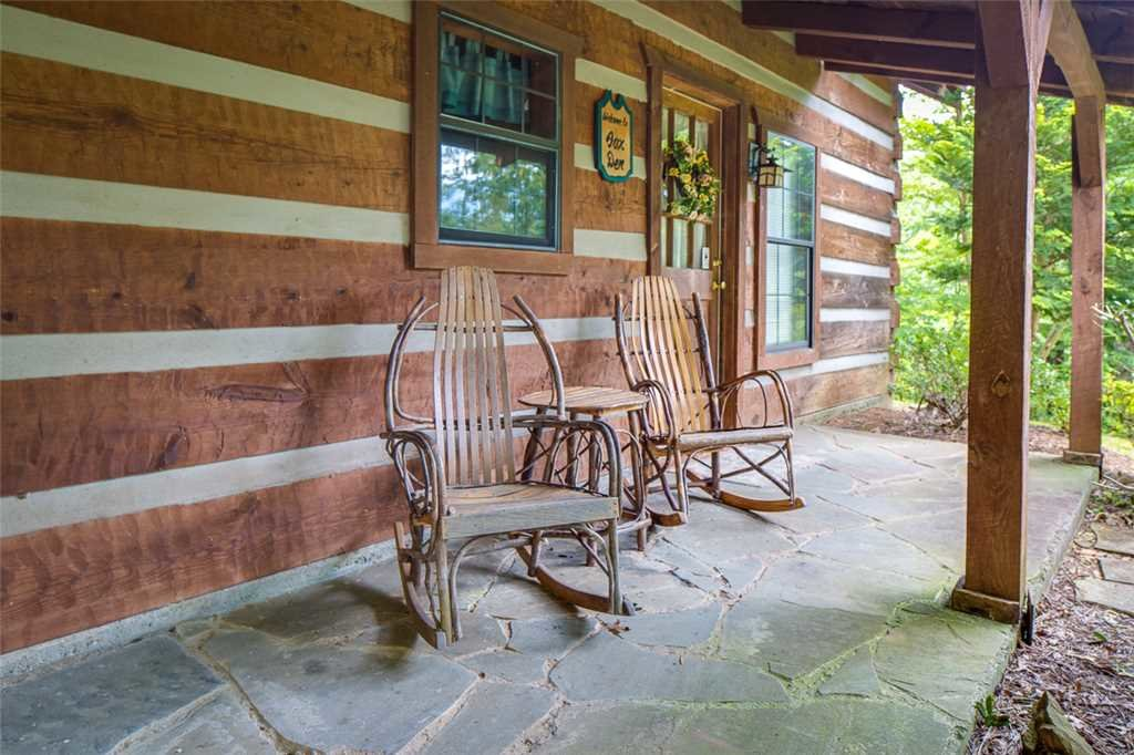 Photo of a Gatlinburg Cabin named Fox Den - This is the seventeenth photo in the set.