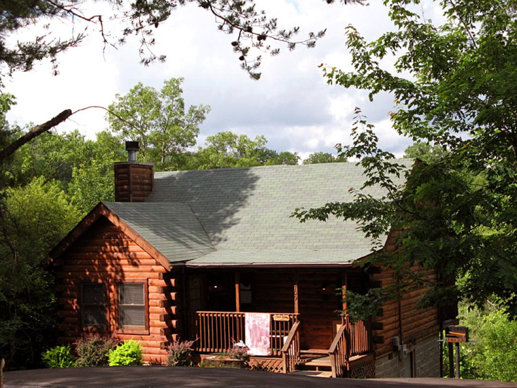 Photo of a Gatlinburg Cabin named Three Bears Cabin - This is the eighteenth photo in the set.