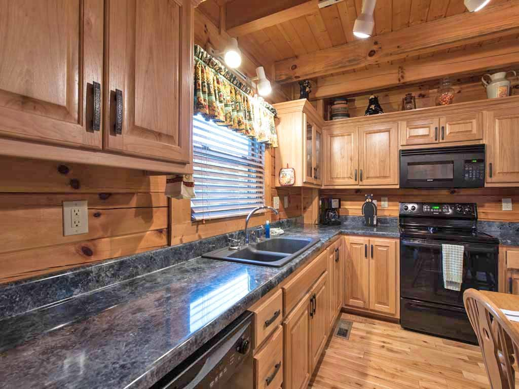 Photo of a Pigeon Forge Cabin named Bear Nook - This is the seventh photo in the set.