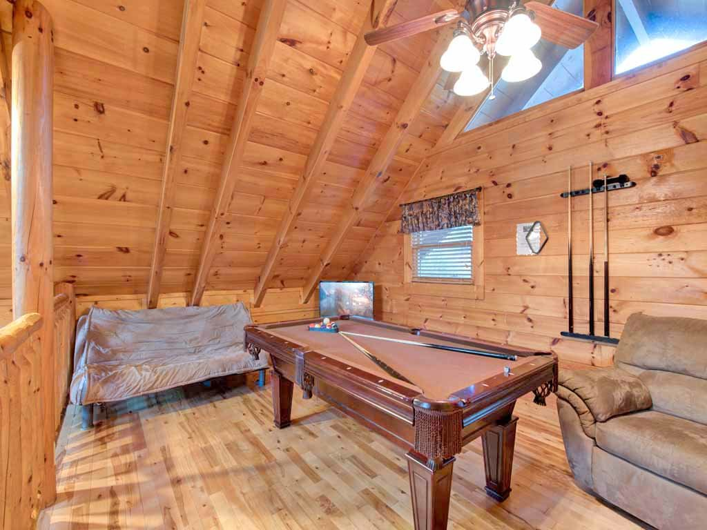 Photo of a Pigeon Forge Cabin named Bear Nook - This is the ninth photo in the set.