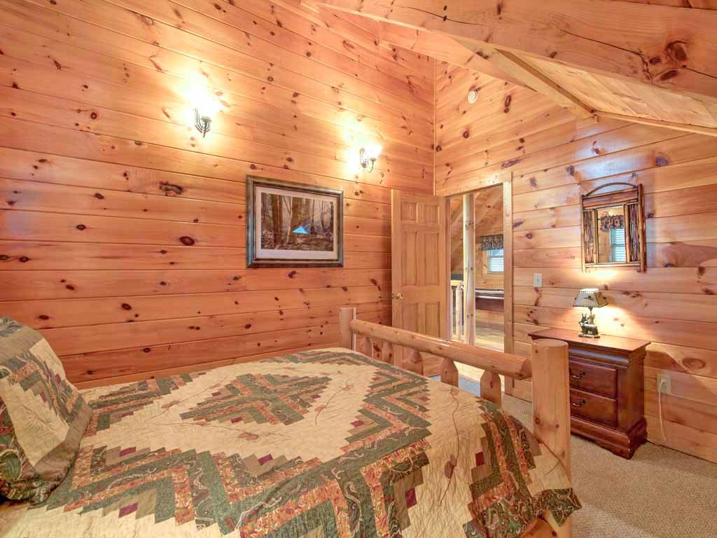 Photo of a Pigeon Forge Cabin named Bear Nook - This is the fifteenth photo in the set.