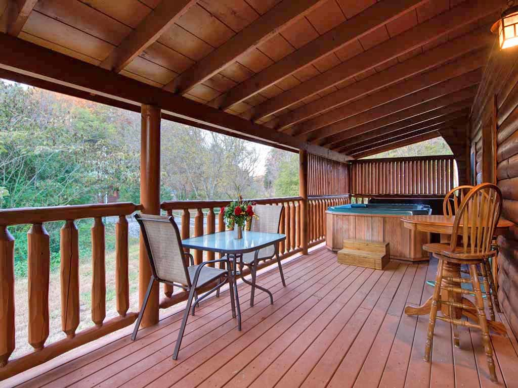 Photo of a Pigeon Forge Cabin named Bear Nook - This is the nineteenth photo in the set.