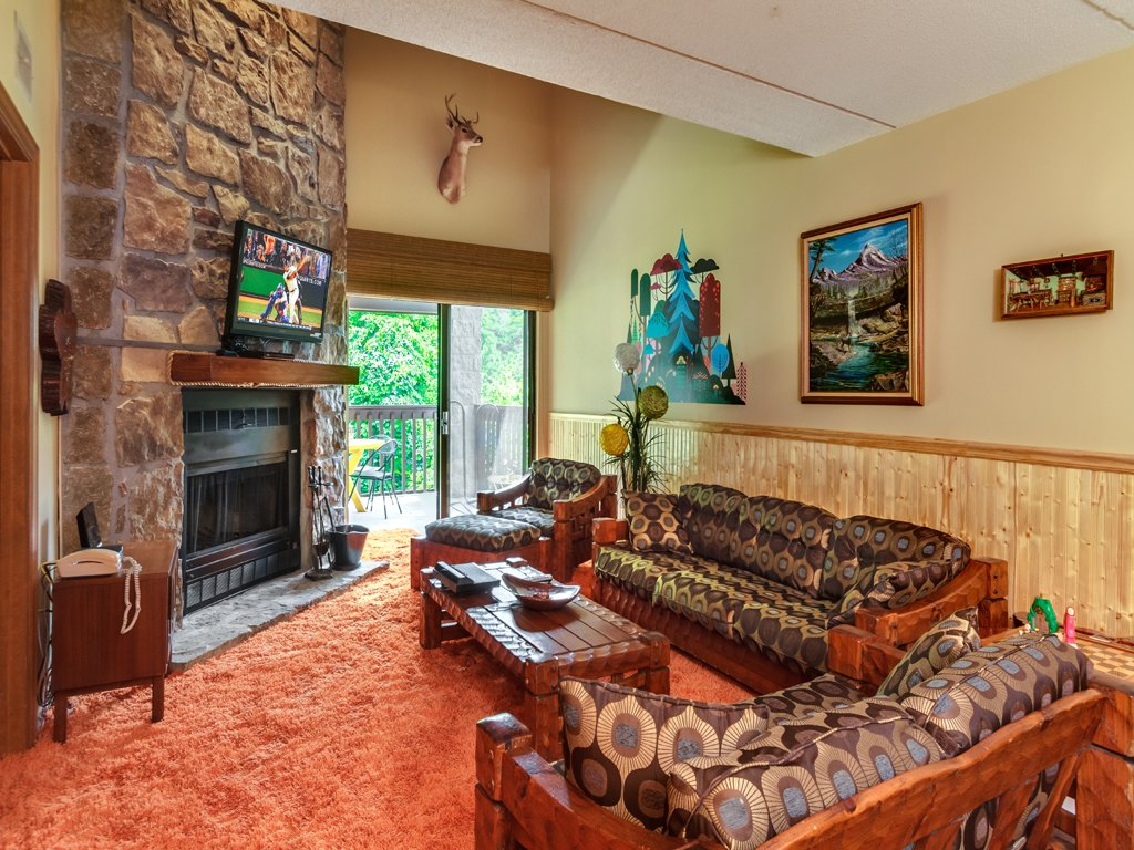 Photo of a Gatlinburg Condo named Groovy Getaway - This is the fifth photo in the set.